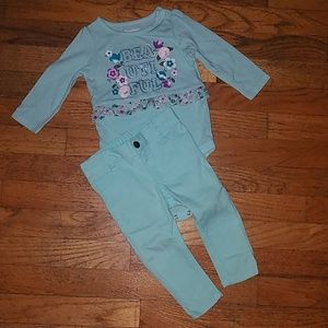Baby girls outfit.